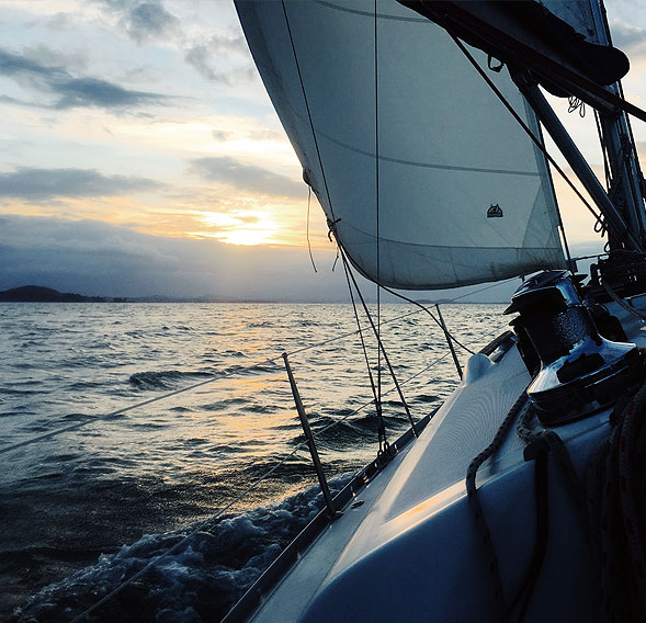 peak-sourcing-performance-garments-clothing-sailing